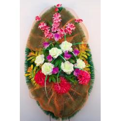 Венок ритуальный с розами и хризантемами